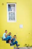 Adolescentes en la vecindad de BO Kaap, Cape Town Fotografía de archivo