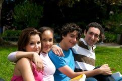 Adolescentes en naturaleza Imágenes de archivo libres de regalías