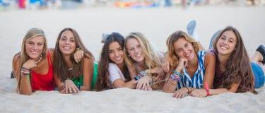 adolescentes felizes do verão Fotos de Stock Royalty Free