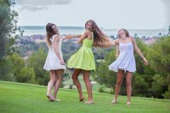 adolescentes felizes do verão Fotografia de Stock Royalty Free