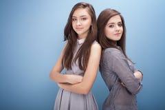 Adolescentes jovenes en estudio Foto de archivo
