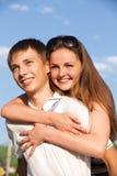 Adolescentes jovenes felices Fotos de archivo libres de regalías
