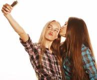 Adolescentes lindos que hacen el selfie aislado Fotos de archivo libres de regalías
