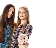 Adolescentes lindos que hacen el selfie aislado Imagenes de archivo