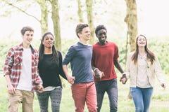 Adolescentes multirraciales Imágenes de archivo libres de regalías