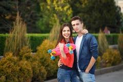 Adolescentes na data Primeiro amor foto de stock royalty free