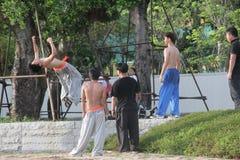 Adolescentes para practicar artes marciales en SHENZHEN Foto de archivo