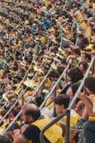 50 000 adolescentes participam em uma cerimônia religiosa no estádio de San Siro em Milão, Itália Fotografia de Stock Royalty Free