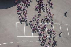 50 000 adolescentes participam em uma cerimônia religiosa no estádio de San Siro em Milão, Itália Imagens de Stock