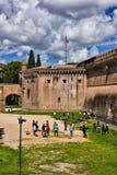 Adolescentes que juegan en el santo Angelo Castle, Roma, Italia Imagen de archivo