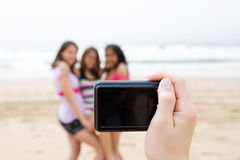 Adolescentes que levantam para a foto fotografia de stock royalty free