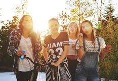 Adolescentes que se divierten Fotos de archivo