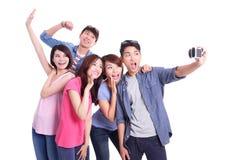 Adolescentes que toman imágenes solo Fotos de archivo libres de regalías