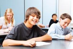 Adolescenti a scuola Immagini Stock