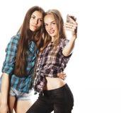 Adolescenti svegli che fanno selfie isolato Fotografia Stock Libera da Diritti