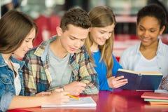 adolescents photos libres de droits