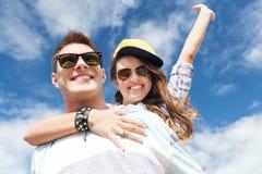 Adolescents ayant l'amusement dehors Image libre de droits