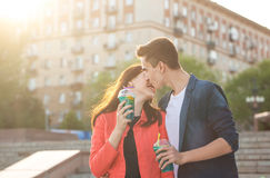 Adolescents dans l'amour une date Photo libre de droits