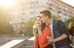 Adolescents dans l'amour une date Photographie stock