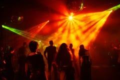 Adolescents de danse images libres de droits