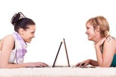 Adolescents et l'Internet Photographie stock