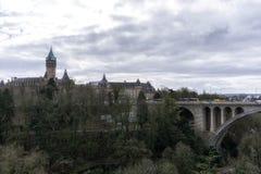 Adolphe-Brücke und petrusse Tal Stockbilder