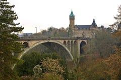 Adolphe most w Petrusse dolinie piękny mostów miasta Luxembourg świat Luksemburg Obrazy Royalty Free