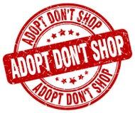 Adopt pone el sello de goma redondo del grunge rojo de la tienda del ` t Ilustración del Vector
