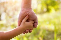 Adoptez l'enfant Photos stock