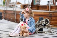 Adorable, chica joven Fotos de archivo libres de regalías