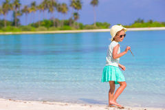 Adorable happy smiling little girl on beach Royalty Free Stock Photos