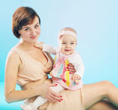 Adorable mom with smiling daughter Royalty Free Stock Photography