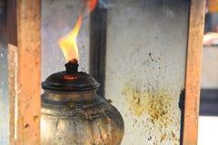 Adoración budista del incienso Foto de archivo libre de regalías