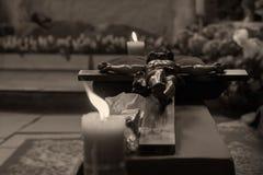 Adoración cruzada santa Imágenes de archivo libres de regalías