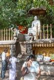 Adoración de Buda Imagenes de archivo