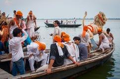 Adoración de la diosa hindú Durga en Varanasi, la India Fotos de archivo