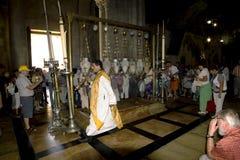 Adoración de la iglesia en la iglesia del sepulcro santo jerusalén Imagen de archivo libre de regalías