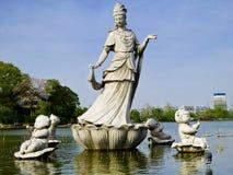 Adoración Guanyin de los muchachos Imagen de archivo