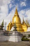 Adoración importante del palacio magnífico de oro de la pagoda y desti que viaja Foto de archivo libre de regalías