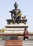 Adorar al rey siamés antiguo Statue imagen de archivo