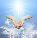 Adorar la fuente divina de amor y de luz Imagen de archivo libre de regalías