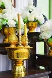 Adorazione dell'altare di incenso, n salutanti culto o le preghiere rituale i Fotografia Stock Libera da Diritti