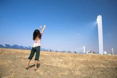 Adore la torre de la energía solar Imagen de archivo libre de regalías