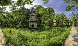 Adore la torre en la pagoda de PhatTich, provice de BacNinh, Vietnam Imagen de archivo libre de regalías