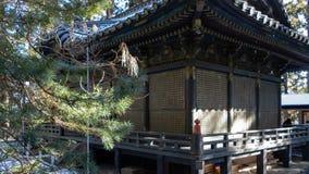 Adore Pasillo al lado de la capilla interna en la capilla de Toshogu, foto de archivo libre de regalías