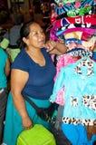 Adorna al vendedor en Colombia Imagen de archivo libre de regalías