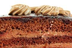 Adornado con la torta de chocolate poner crema Imagen de archivo