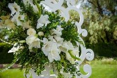 Adornado festivamente maravillosamente de flores Imagenes de archivo