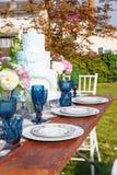 Adornado para casarse la tabla de cena elegante Fotos de archivo libres de regalías
