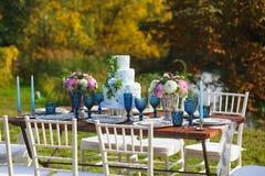Adornado para casarse la tabla de cena elegante Foto de archivo